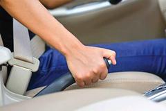 Cách thoát nạn khi ô tô bị mất phanh của chuyên gia
