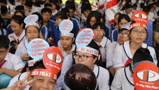 Ra quân phát động học sinh, sinh viên chấp hành pháp luật về ATGT