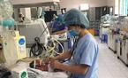 Hàng loạt trẻ ngỡ cảm cúm, bất ngờ phải nhập viện thở máy
