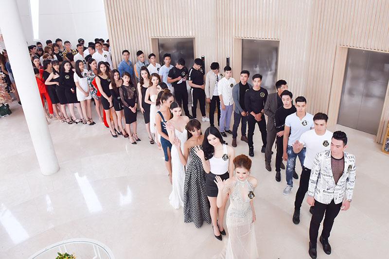 Hoa hậu Hà Kiều Anh đọ sắc cùng Anh Thư trên ghế giám khảo
