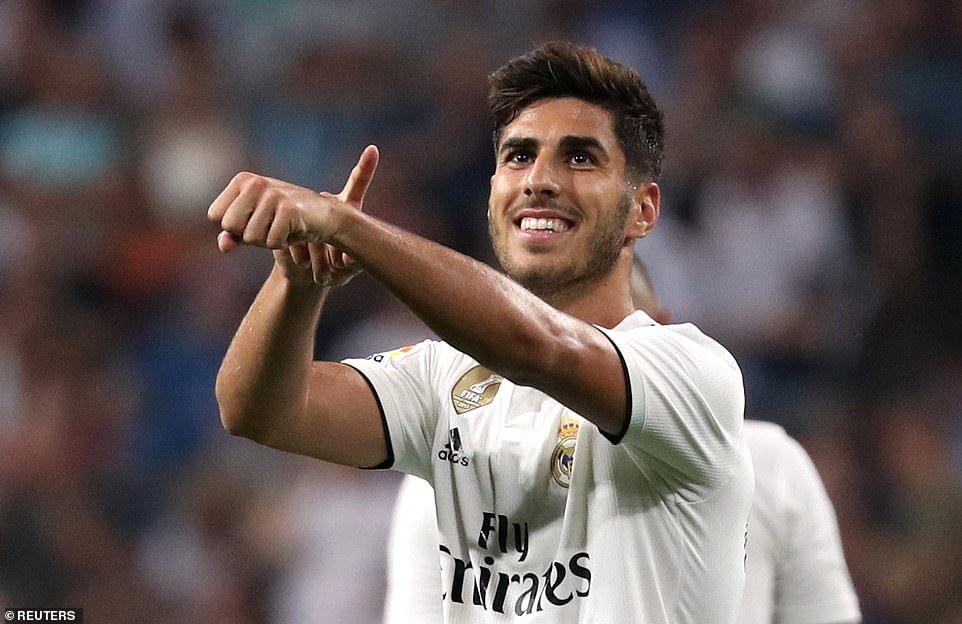 Real Madrid tạm chiếm ngôi đầu nhờ công nghệ VAR