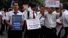 Hàng trăm tài xế Vinasun kéo tới tòa vụ kiện Grab
