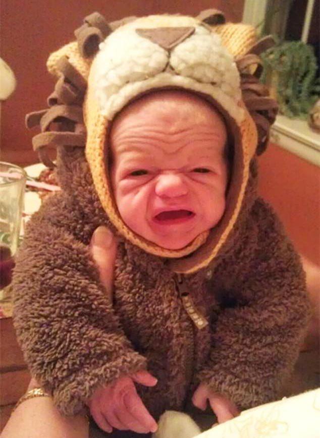 Ảnh hài hước về diện mạo 'già' đến ngỡ ngàng của trẻ sơ sinh