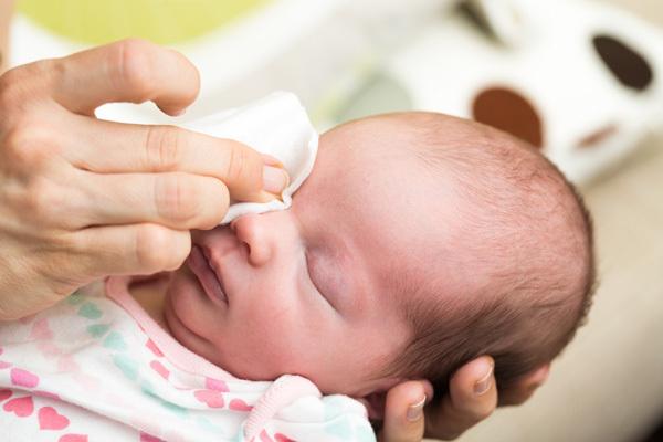 Cẩn trọng các bệnh về mắt, mũi lúc giao mùa