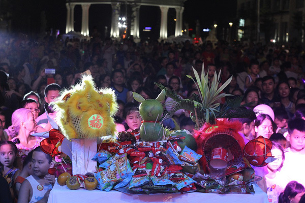 Lung linh đêm hội trăng rằm ở An Bình City