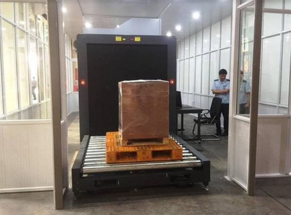 Mỹ bàn giao máy soi hàng hóa 200.000USD cho Hải quan Nội Bài