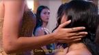 Báo quốc tế rầm rộ đưa tin hai cô gái tỏ tình với nhau trên truyền hình Việt