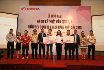 Honda trao giải Kỹ thuật viên, nhân viên QHKH xuất sắc 2018