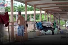 Cuộc sống 'thượng lưu' trên cây cầu bỏ hoang