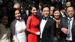 Nhã Phương mặc áo dài đỏ, thẹn thùng bên Trường Giang trong lễ rước dâu