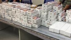 Bắt lô hàng iPhone mới trị giá 6,5 tỷ ở sân bay Tân Sơn Nhất