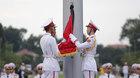 Treo cờ rủ Quốc tang Chủ tịch nước tại quảng trường Ba Đình