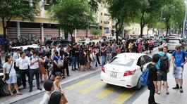 Người dân tháo chạy khỏi trung tâm thương mại ở Sài Gòn vì lý do không ngờ