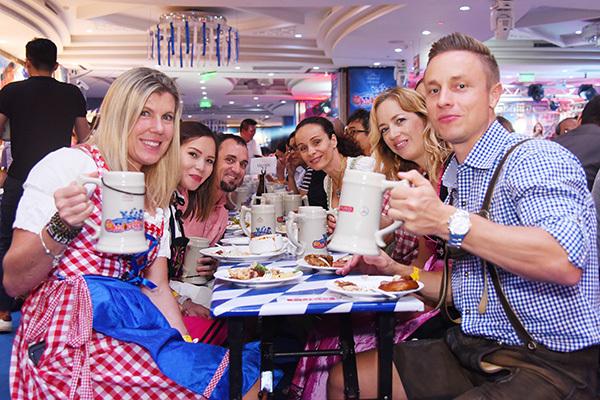 Lễ hội văn hóa và ẩm thực Đức ở Windsor Plaza