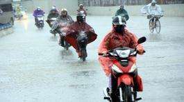 Gió mùa đông bắc tràn về, Hà Nội mưa to