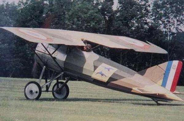 Ai là người đầu tiên ở Việt Nam sở hữu máy bay riêng?