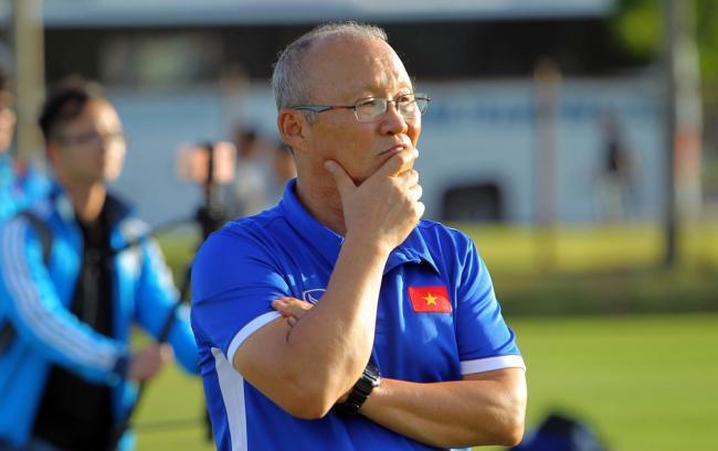 HLV Park Hang Seo trở lại Việt Nam: Đau đầu tìm trợ lý, tuyển quân đá AFF Cup