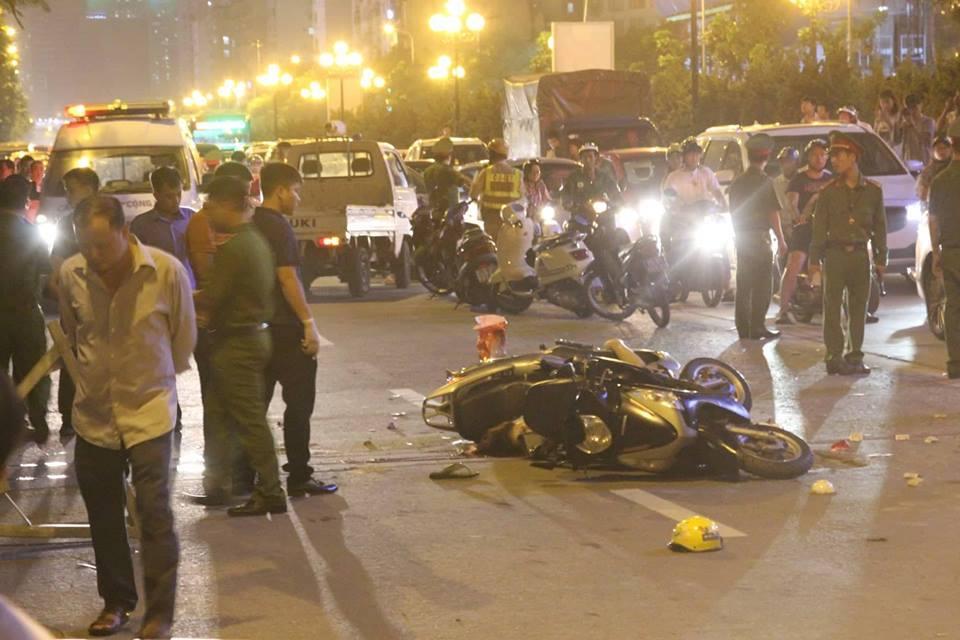 Thanh sắt rơi từ tòa nhà đang xây ở đường Lê Văn Lương, người phụ nữ tử vong