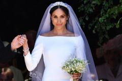 Bí mật tinh tế phía sau váy cưới của Meghan Markle lại khiến người ta nhớ đến công nương Diana và Kate Middleton