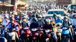 2030 cấm xe máy: Nói thế thôi, thật khó tin