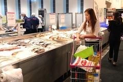 Việt Nam ăn sạch hơn Châu Âu: Thuỷ sản xuất sang EU, khó vào siêu thị nội