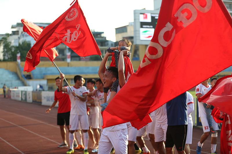Sao U23 Việt Nam ghi bàn, Thể Công trở lại V-League