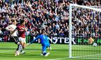 MU thảm bại West Ham, ghế Mourinho lung lay dữ dội