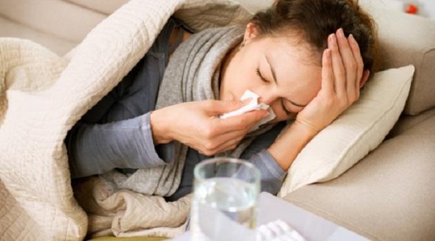 Hàng loạt dân văn phòng bị virus cúm 'tấn công' do thói quen của nhiều người Việt