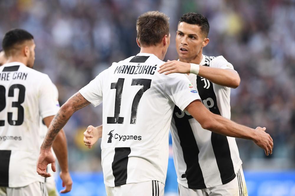 Ronaldo rực sáng, Juventus ngược dòng hạ Napoli