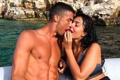 Ronaldo được bồ nói lời yêu, lên tiếng nghi án hiếp dâm