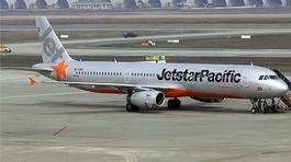 8 tháng: Hơn 200 vụ máy bay bị sét đánh, chim va