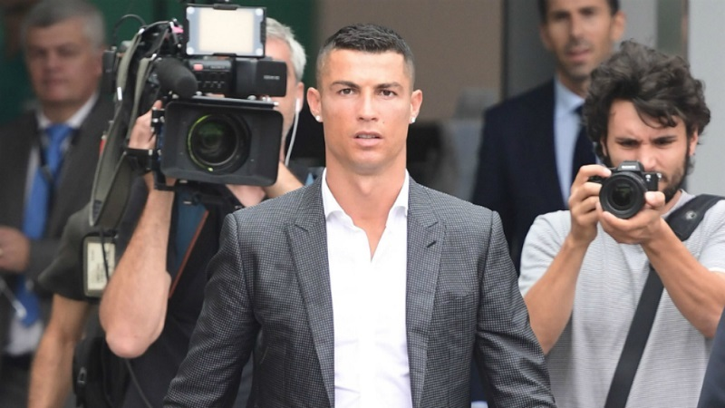 Tiết lộ: Ronaldo phải rời Real sau câu nói để đời