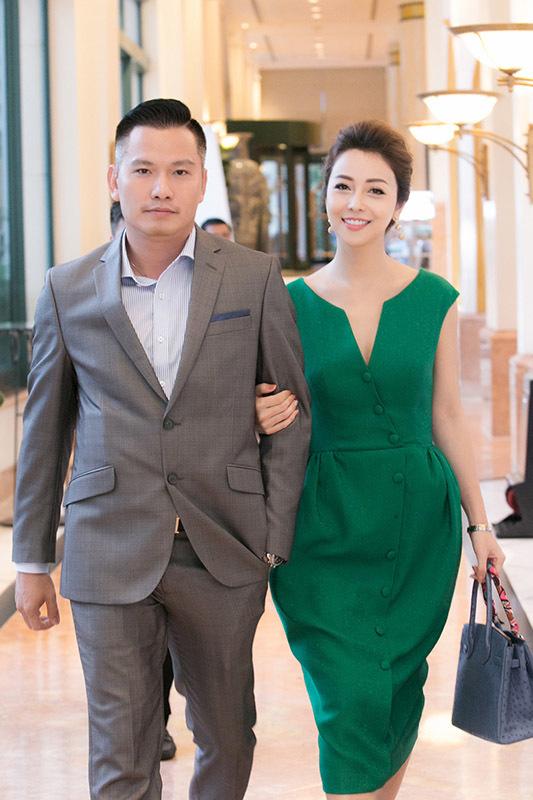 Jennifer Phạm được chồng đại gia tháp tùng dự sự kiện