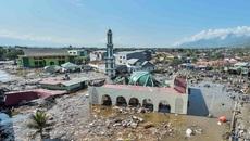 Hình ảnh đặc tả sức tàn phá khủng khiếp của sóng thần ở Indonesia
