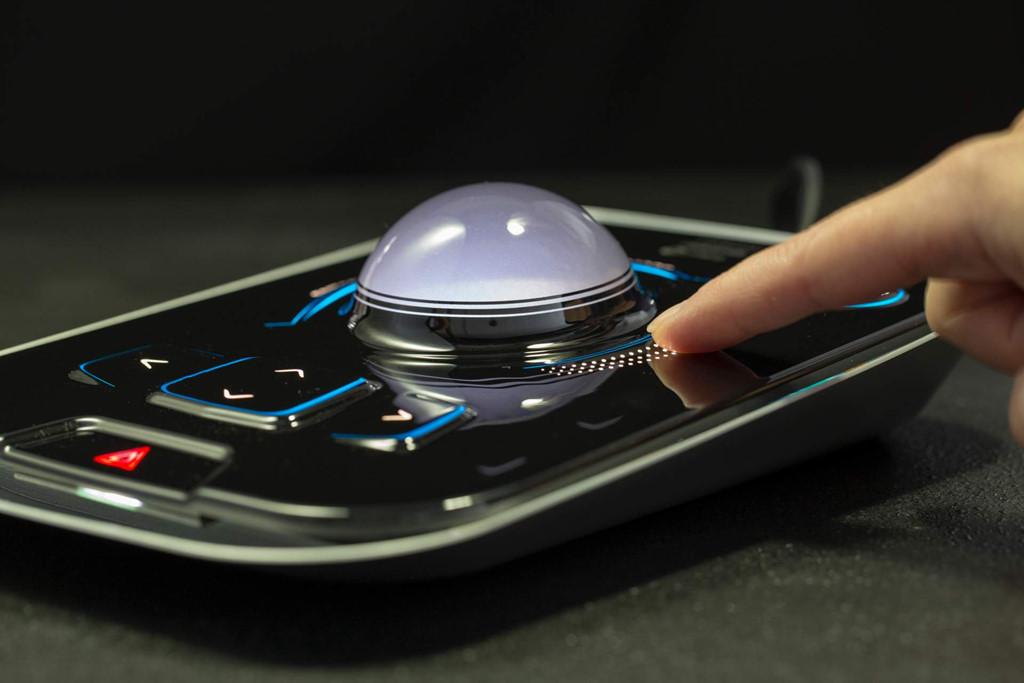 Màn hình cảm ứng bề mặt 3D sắp xuất hiện trên xe hơi