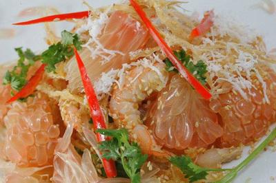 """Gà hấp bưởi món ăn """"có một không hai"""" của người Đồng Nai"""