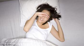 Cô gái 23 tuổi đột nhiên bị mù khi ngủ dậy vì căn bệnh nhiều người mắc