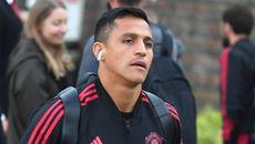 Alexis Sanchez tức giận vì bị Mourinho gạt ra rìa