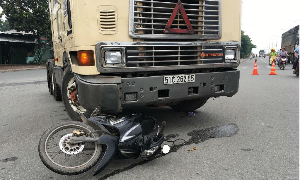 tai nạn,tai nạn giao thông,dập tay