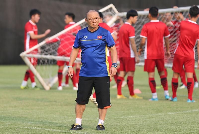 Danh sách đội tuyển Việt Nam dự AFF Cup:Thầy Park trao vé vớt cho ai?