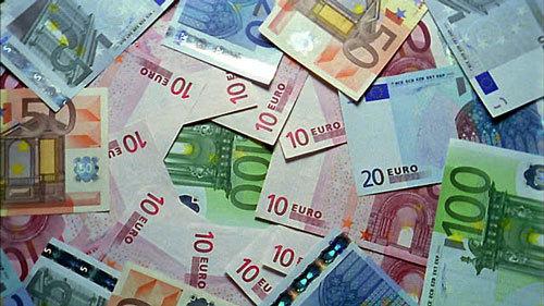 Tỷ giá ngoại tệ ngày 4/10: USD treo cao, Euro tăng trở lại