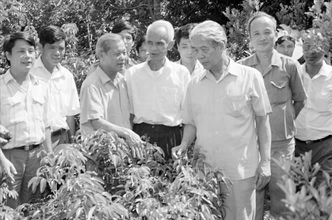 Hình ảnh những hoạt động nổi bật của nguyên Tổng bí thư Đỗ Mười