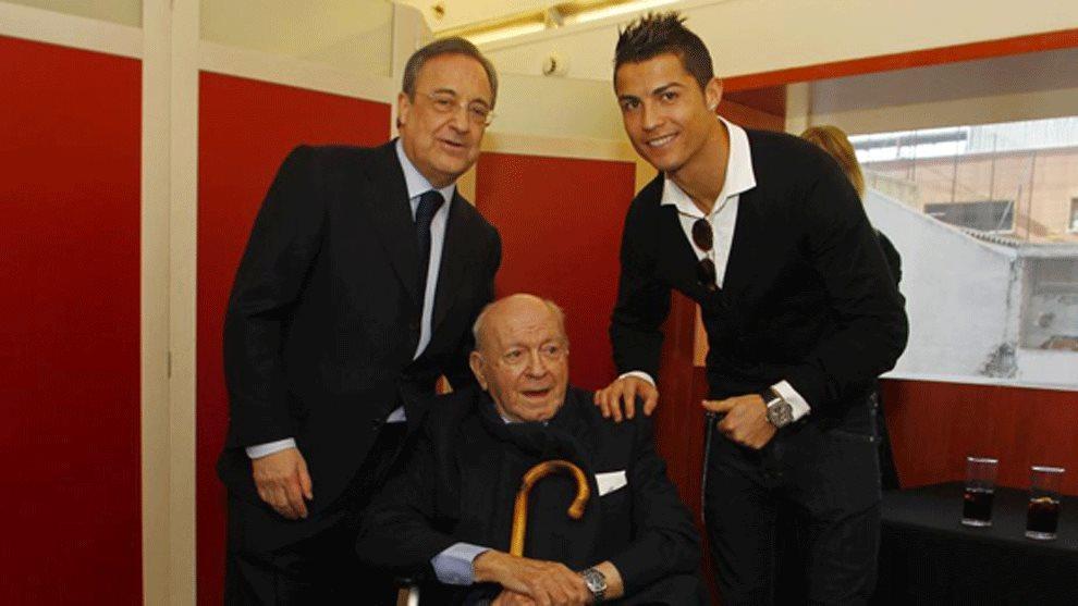 Ronaldo bị 'ăn chửi' vì xấu tính, đòi làm Vua Real Madrid