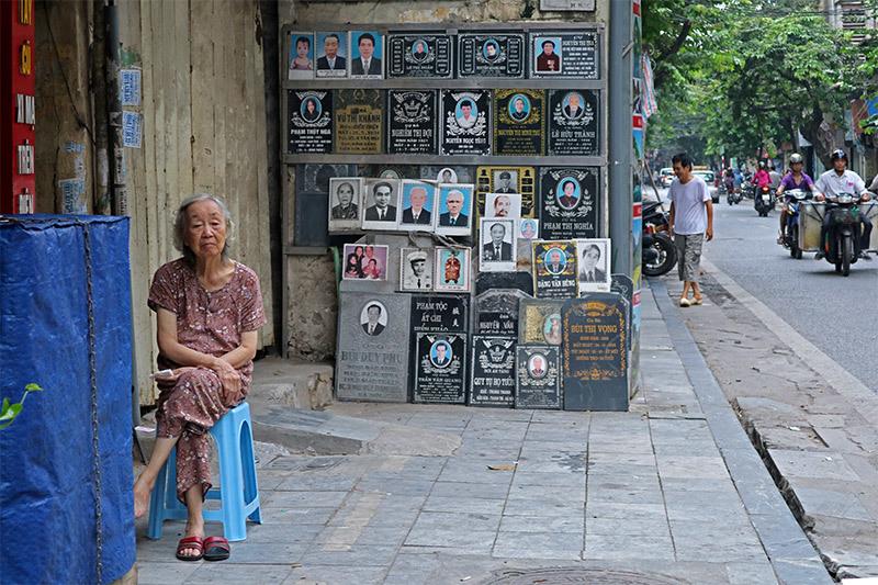 Hình ảnh Hà Nội hài hước, lạ lẫm không dành cho người dậy muộn