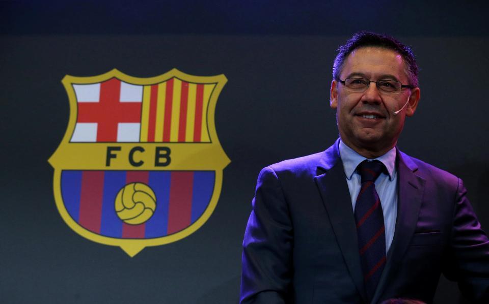 Mourinho lại xung đột với sao MU, Barca giang tay đón Guardiola