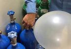 Hít 20 quả bóng cười mỗi ngày, nam sinh Hà Nội vào BV Bạch Mai điều trị