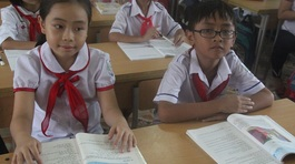 Gặp 2 học trò quê nói tiếng Anh nức lòng mạng xã hội