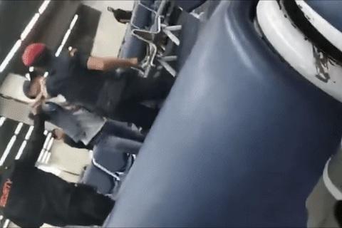 nhân viên sân bay đánh du khách Trung Quốc