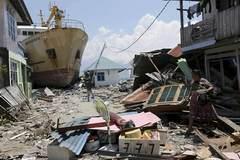 Điều khủng khiếp nối tiếp động đất, sóng thần ở Indonesia