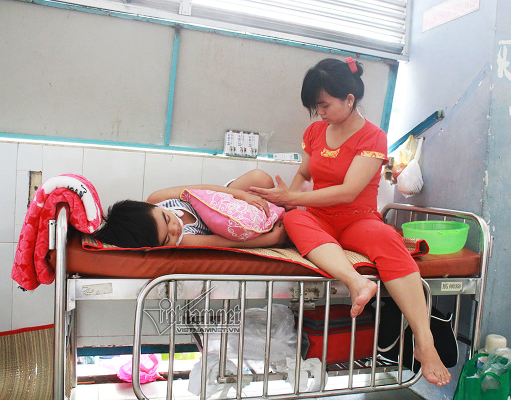 Bệnh chân tay miệng,Hoàn cảnh bệnh nhân,Bệnh viện